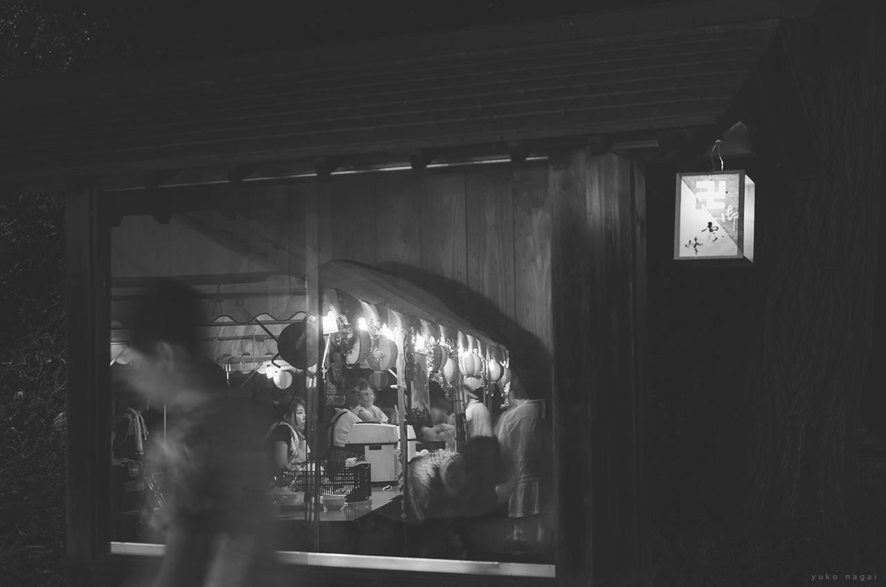 Vendors at a Japanese matsuri.