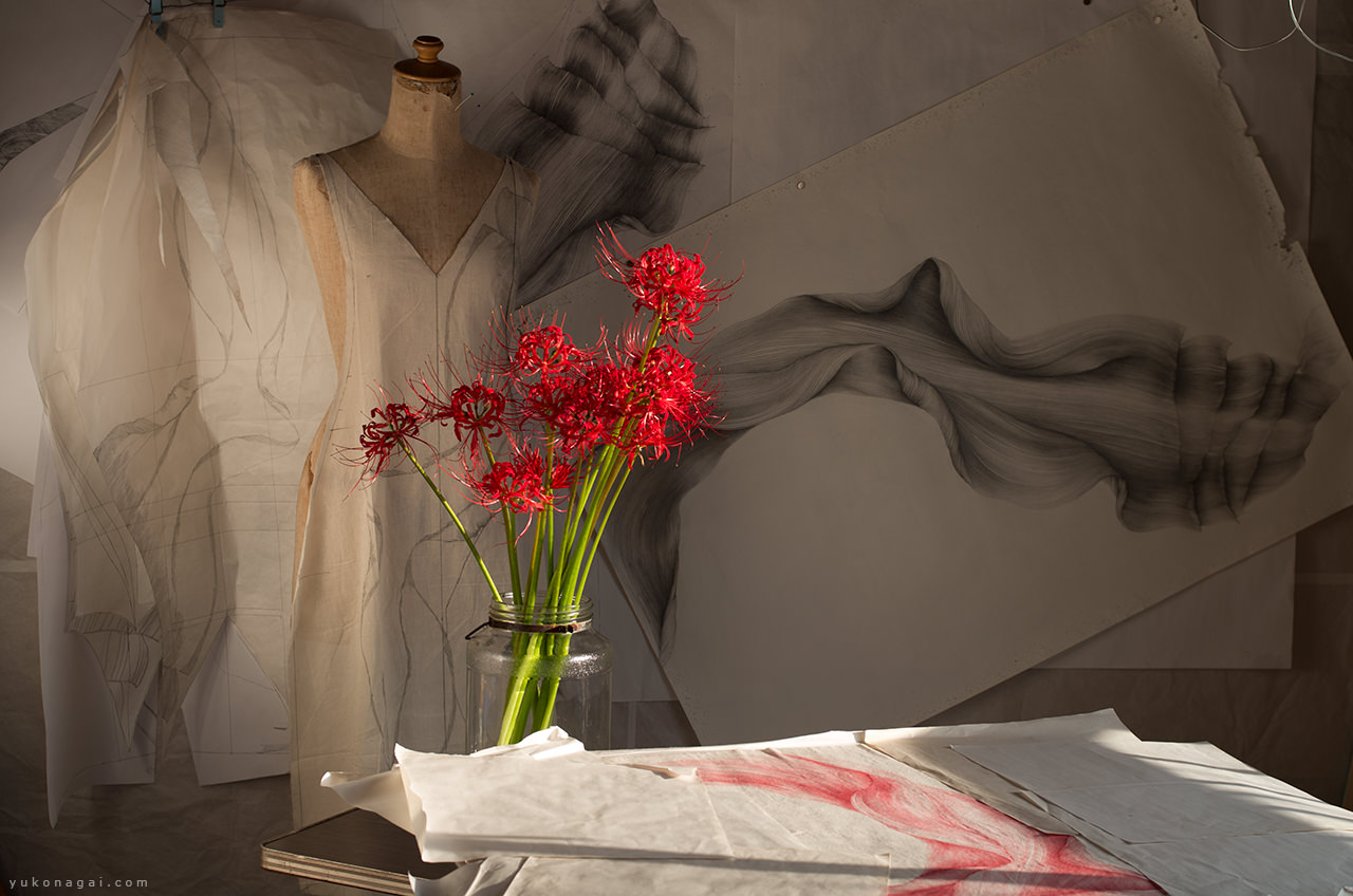 Art studio with a spider lily bouquet.